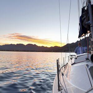 coomera quays boating lifestyle