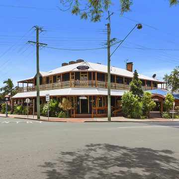 springbrook acreage qm properties woodford hotel