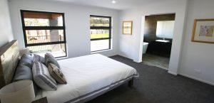 master bedroom and ensuite oracle platinum homes jimboomba woods