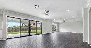 dr homes Springbrook Acreage Display Home qm properties